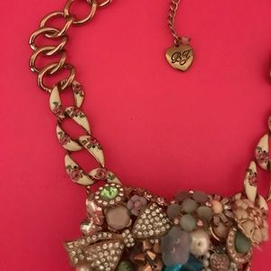 Betsey Johnson Jewelry - Betsey Johnson statement necklace